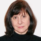 Ann Warren Square head shot